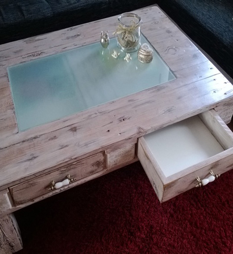 palettenm bel holz sofa tisch europaletten bauen pictures to pin on pinterest. Black Bedroom Furniture Sets. Home Design Ideas